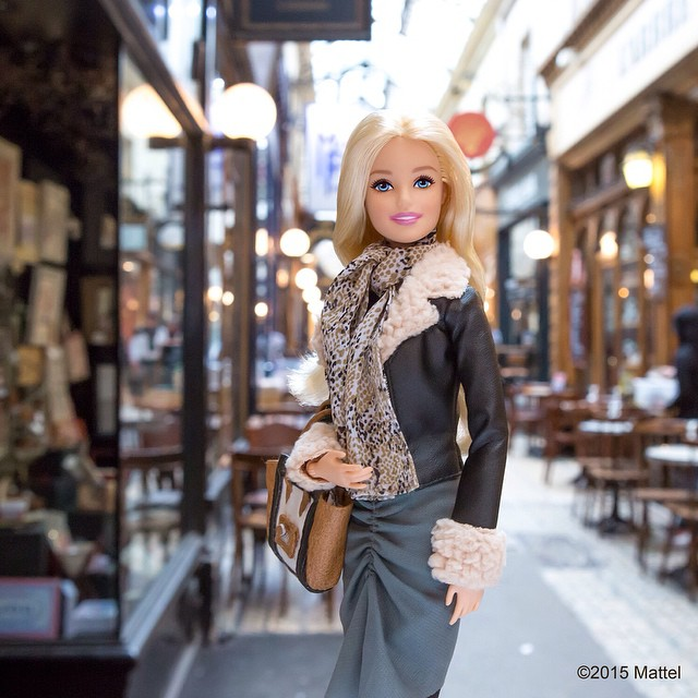 barbie-goes-for-fashion-week-paris-10